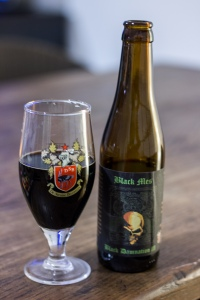 Struise_BlackDamnation_III_BlackMes